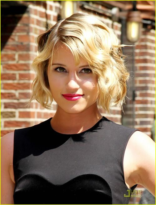 Dianna Agron short bob hairstyles. Have I made mention how I think her hair always looks fantastic? Except for those few Season 3 episodes when Quinn was a mess...