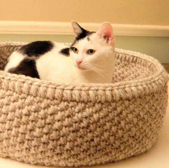 Very Large Cat Basket Large Crochet Cat Bed door CottageCoveCrochet