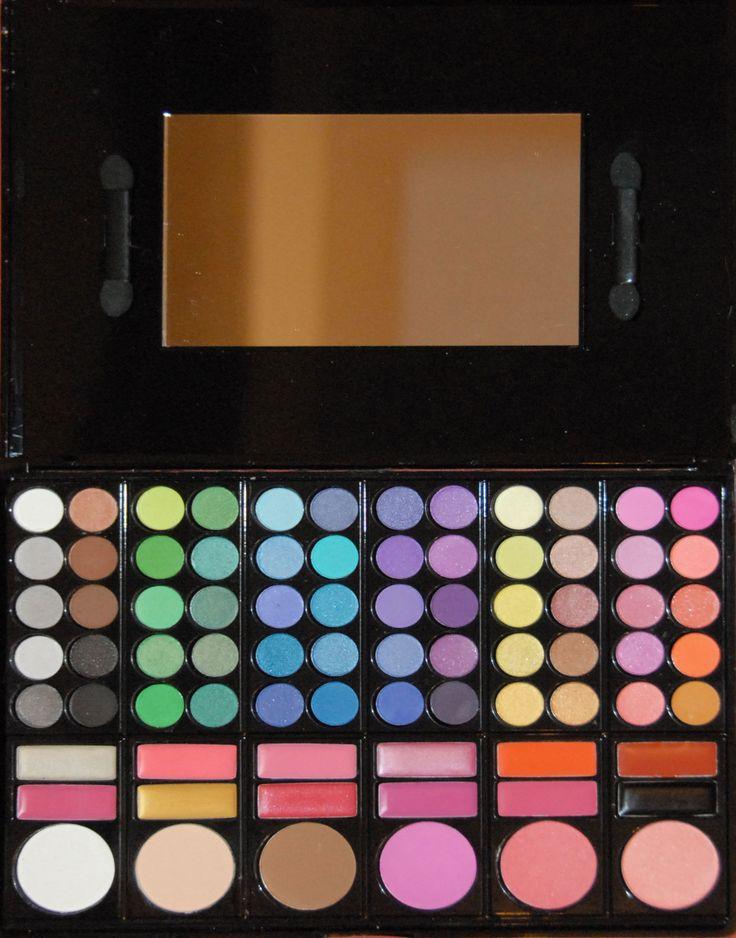Trusa de farduri cu 78 de culori farduri mate si sidefate, ruj, blush, pudra disponibila pe www.paletutze.ro