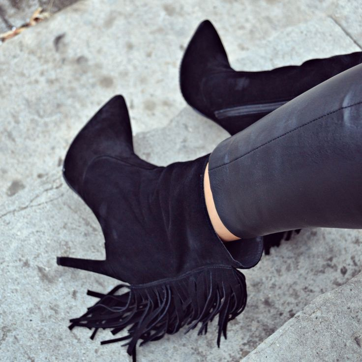 #fallwinter #collection #the5thelementshoes #rosettishowroom #black #fringe #boots #musthave