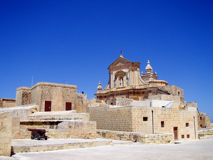 Il Kastell city walls and Cathedral of the Assumption, Victoria, Gozo   © Glen Bowman/Flikr