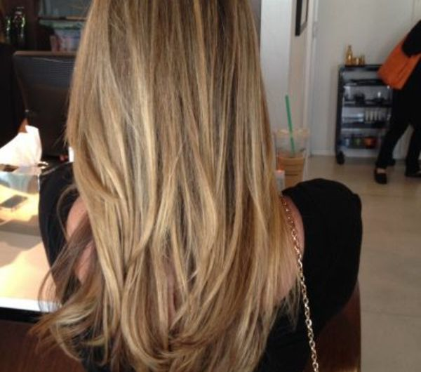 balayage-quelle-couleur-de-cheveux-femme-dos
