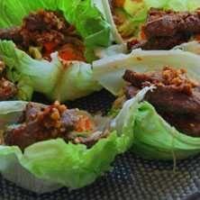 Asiatisk biff med glasnudlar i salladsskål - Recept - Tasteline.com