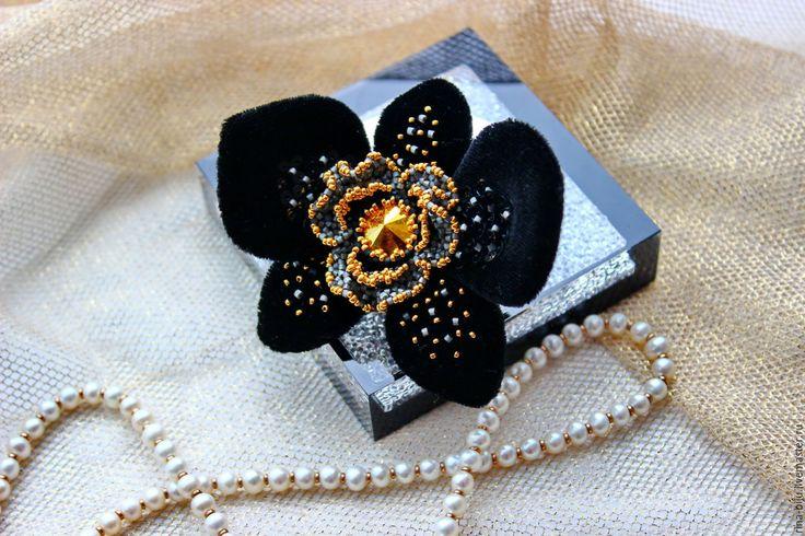 """Купить Брошь """"Черная орхидея"""" - черный, брошь, брошь цветок, орхидея, бархатная брошь"""