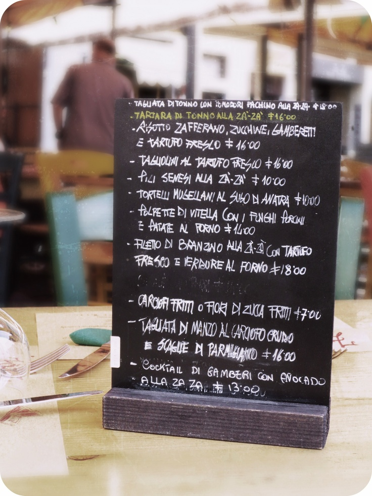 Outdoor Menu at ZaZa, a ristorante in Florence, Italy. Photo taken by Cathi Iannone of The Brooklyn Ragazza.