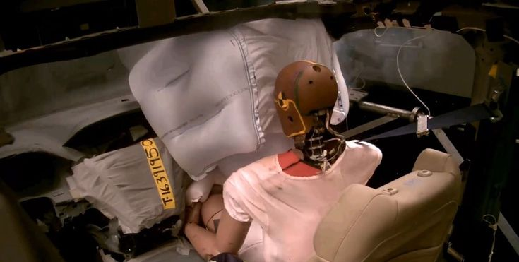 Honda's New Airbag Will Give Front Passengers Better Protection