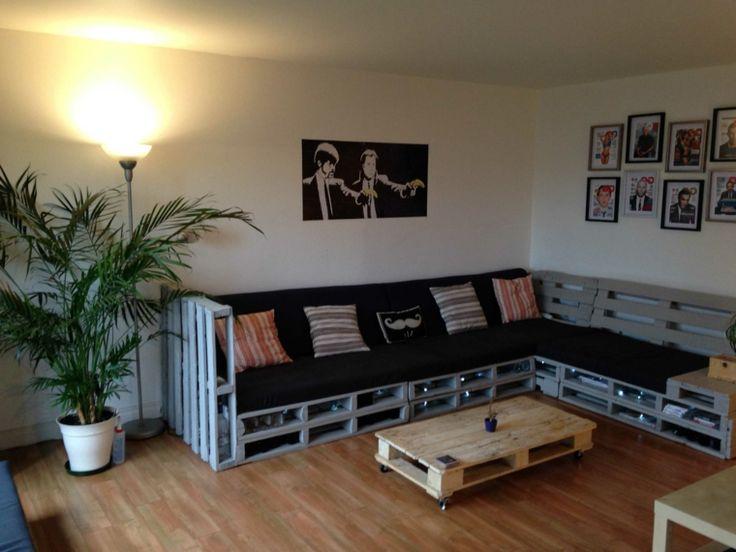 riciclo-creativo-pallet-grande-divano-angolare-seduta-cuscini-tavolino-caffe-centro