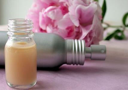 Recette : Lotion apaisante cuir chevelu irrité à la Pivoine - Aroma-Zone