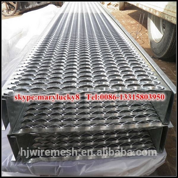 Best Stainless Steel Perforated Metal Stair Treads Non Slip 400 x 300