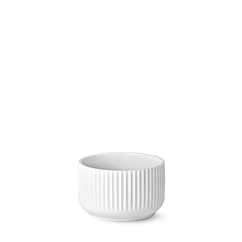 Our 17 cm original Lyngby bowl in white porcelain.