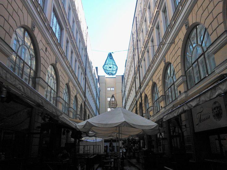 What a lovely courtyard in mid-Helsinki, Aleksanterinkatu