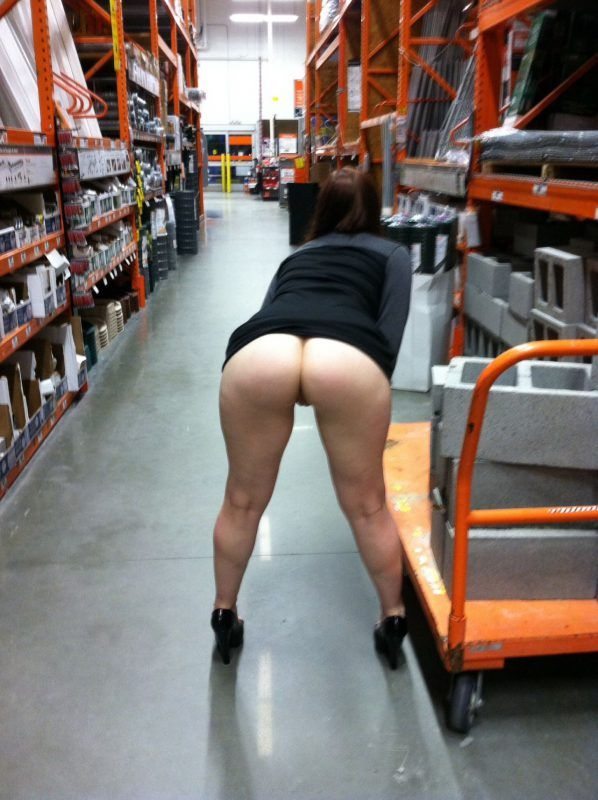 Wife showing naked ass in store beautiful nude pics. Most delicious homemade photos here for free!
