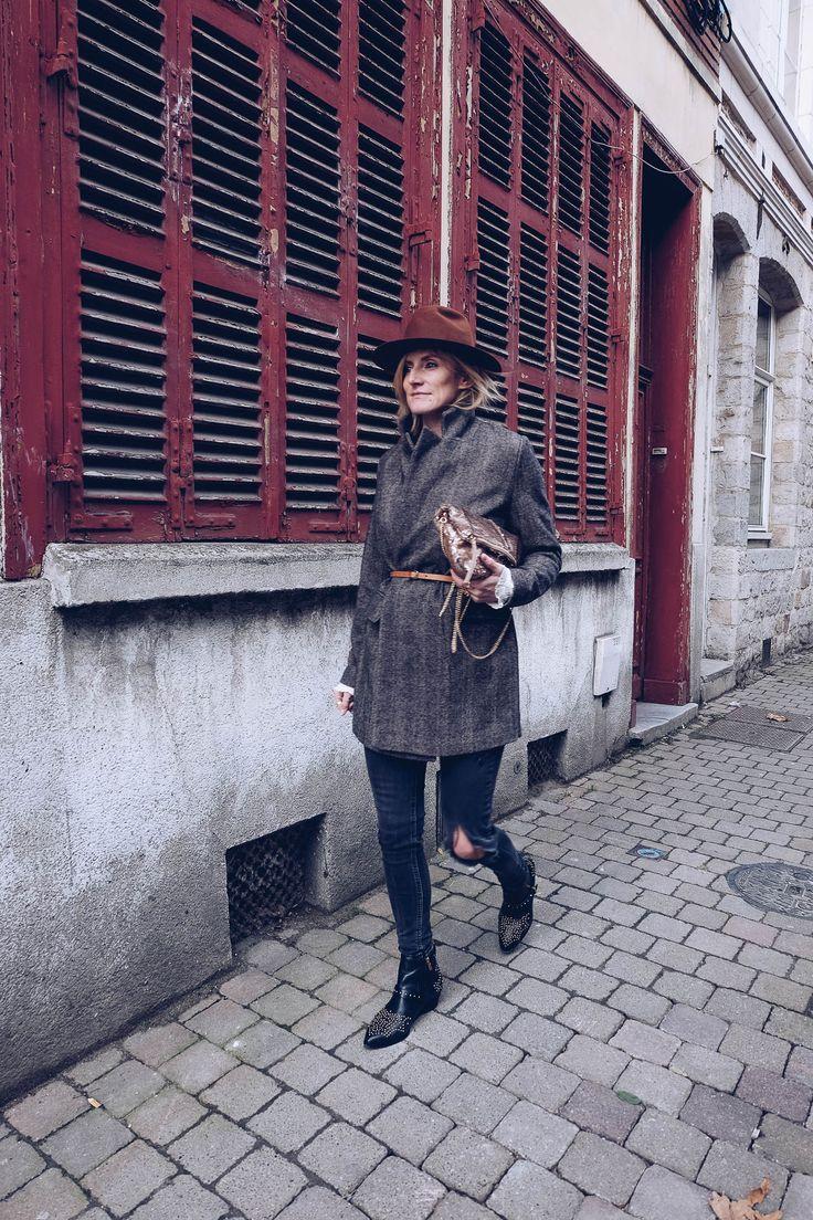 Nouveau look automnal sur la tendance du manteau ceinturé. Pull and Bear, & Other Stories, Nordstrom...    More on blog :  https://www.littleboho.fr/single-post/2017/12/15/BELTED-COAT-TREND