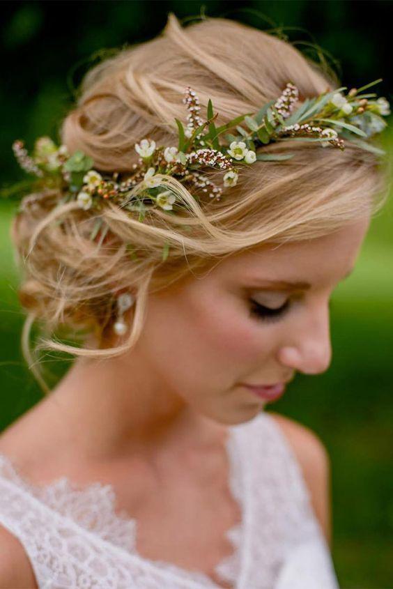 55 Glamorous Wedding Hairstyles For Spring Time Brides Brides Glamorous Hairstyles S Hochzeit Frisuren Blumenkranz Hochzeit Frisuren Blumen Frisur Hochzeit