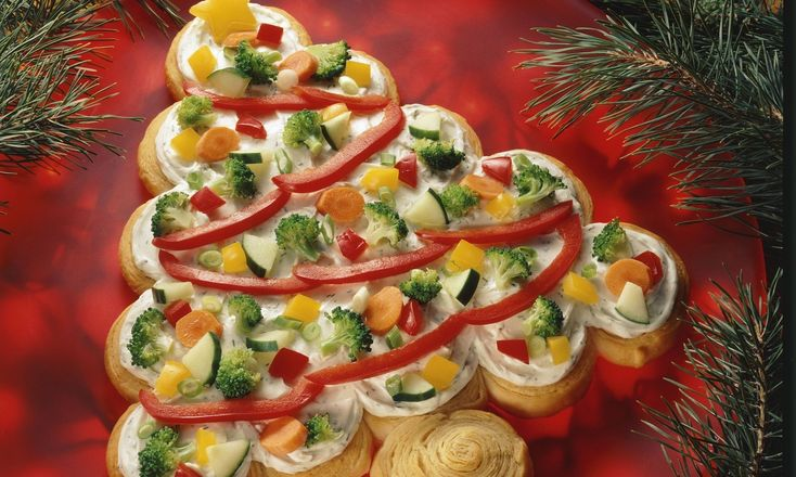 Tree shaped crescent veggie appetizer recipe pizza - Christmas tree shaped appetizers ...