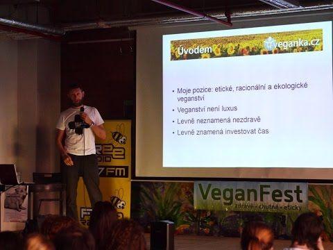 Pavel Houdek - Nízkorozpočtové veganství (VeganFest 2015) - YouTube