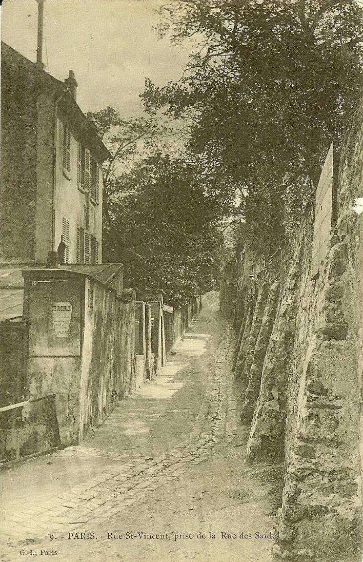 rue Saint-Vincent - Paris 18e La rue Saint-Vincent prise de la rue des Saules (ancienne carte postale, vers 1900)