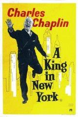 CINE(EDU)-736(8). Un rey en Nueva York. Dir. Charles Chaplin. EEUU, 1957. Comedia. Shahdov, rei de Estrovia, ten que fuxir precipitadamente do seu país ao estalar unha revolución. Chega aos EEUU sen recursos económicos, pero unha nova publicista de televisión suxírelle que protagonice algúns anuncios, aínda que non parece a persoa máis axeitada para este traballo... http://kmelot.biblioteca.udc.es/record=b1510753~S1*gag