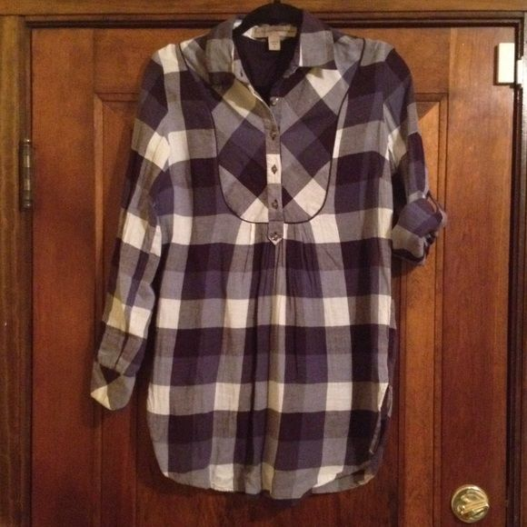 Nine West Plaid Flannel Tunic Top Cute and Comfy tunic top that can be worn with sleeves down or rolled up and buttoned. Soft flannel with a large plaid print. Perfect for lounging on cold days! Nine West Vintage American Jeans Tops Tunics