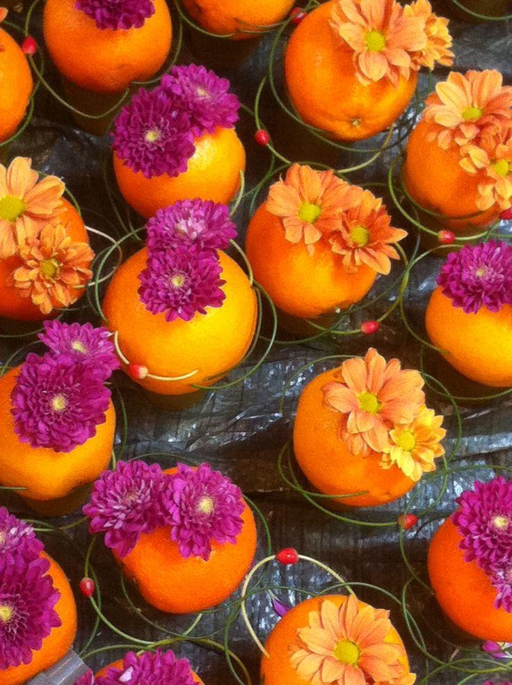 Egmontfest, frukt etasje 1. Farger oransj, litt grønn , rød og lilla. Lager bilde