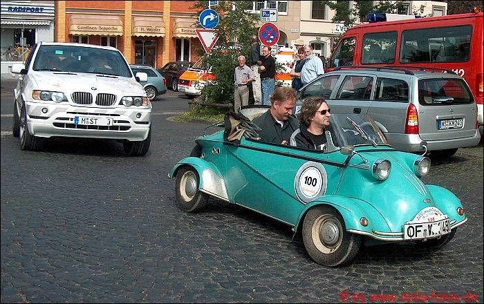 "Rheinbach 2004 - Oldtimer-Rallye: Messerschmitt Kabinenroller ""Tiger"" (4 Räder!)"