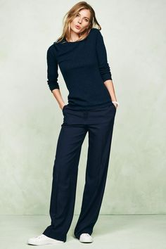 Minimal trends | Black long sleeves t-shirt and trousers, white sneakers