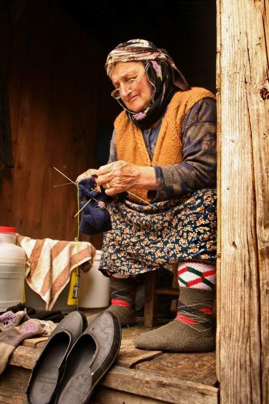nenem çorap tokur; Turkish knitter