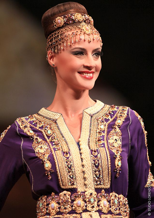 Caftan ou Robe de soirée sur mesure, les créations Fouzia Naciri sont  l'expression d'un savoir faire ancestral imprégné de la plus élégante  modernité.