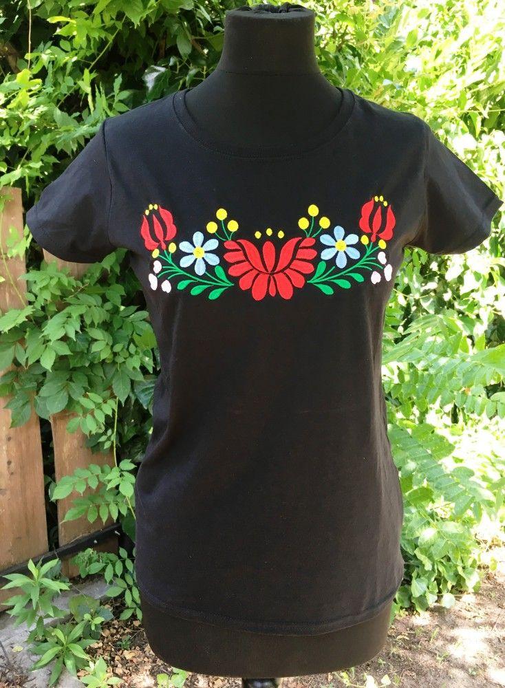Petra hímzett póló