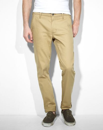Everything that makes the Levi's Commuter 511 jeans awesome has also been translated into a pair of stretch twill chinos. Decidedly dressier...