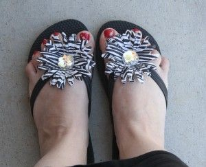 Cute DIY flip-flops from The Happy Housewife.    Make these in hot pink/zebra for Em.