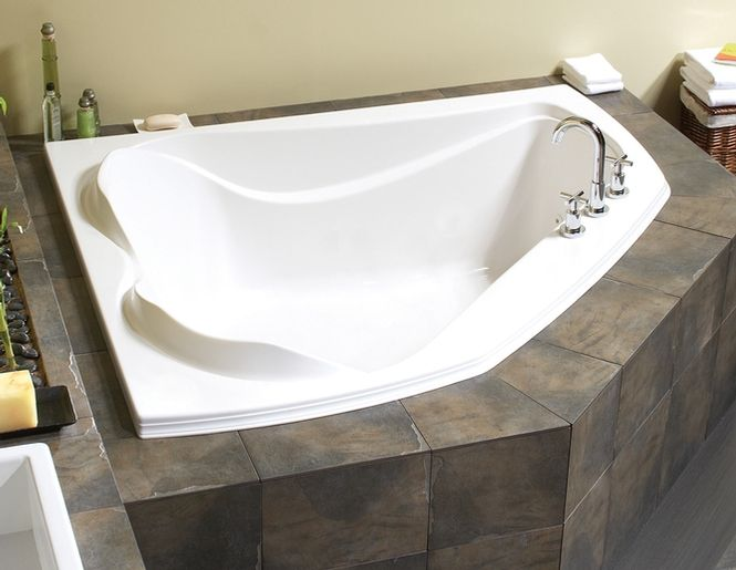 Gentil Maax Advanta Cocoon 6054 Corner Two Person Bathtub Whirlpool