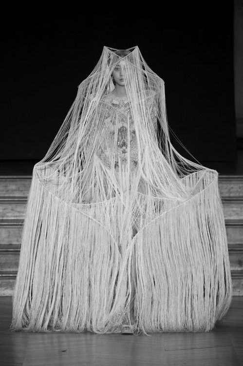 Fashion as Art - dramatic fashion design with rigid 3D frame construction & soft fringe-like thread structure // Yiqing Yin #snow queen