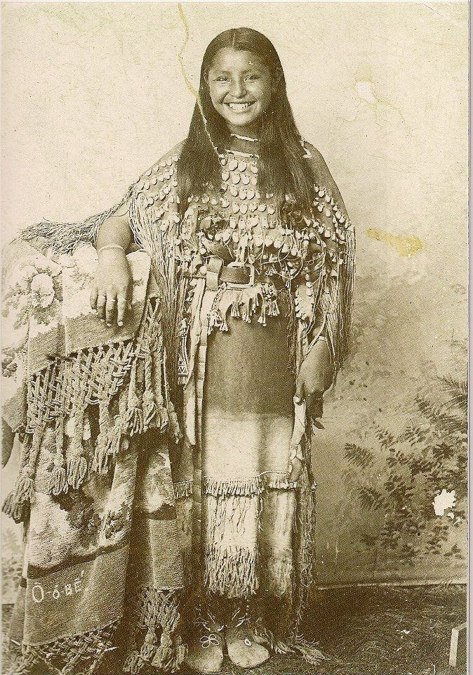 O-o-be (aka Oyebi) - Kiowa - circa 1894, how wonderful. She's smiling...you don't see that from the old pictures...: