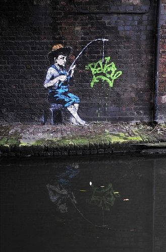 Bristol's most famous graffiti artist Banksy is thought to be behind a number of new stencils in London. The images have appeared along the Regent's Canal in the capital and appear to be dedicated to the lack of legally binding treaty being agreed at #banksy - more streetart @ www.streetart.nl