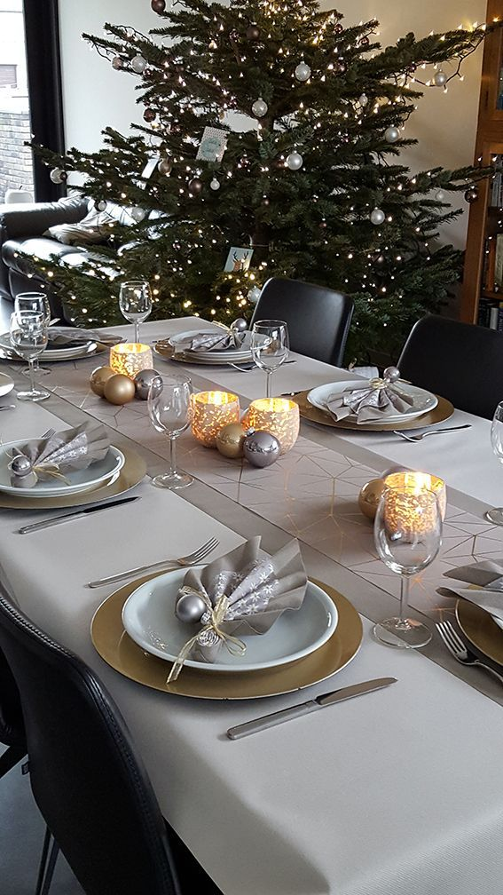 Shop Online In 2020 Christmas Table Decorations Christmas Table Settings Christmas Dining Table