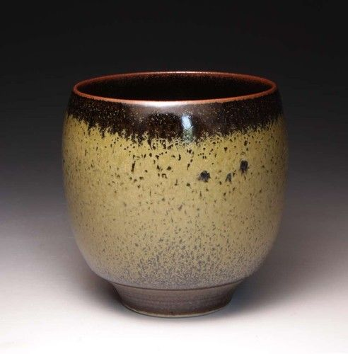 STUDIO POTTERY PORCELAIN YUNOMI WITH CELADON AND TENMOKU GLAZE BY PETER SPARREY