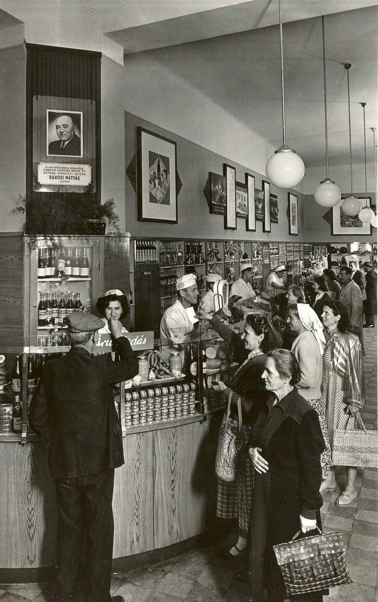 1953. V. Ferenciek tere (Felszabadulás tér), Csemege élelmiszer üzlet