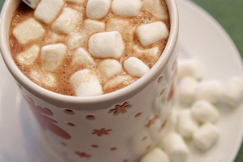Thick hot chocolate with whipped cream and marshmallows. Recipe: http://wonderdump.com/chocolate-with-whipped-cream/