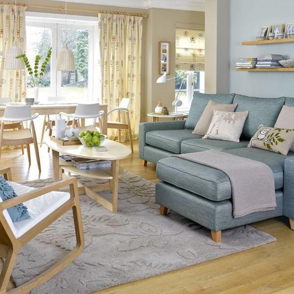 Скандинавский дизайн ассоциируется с цвета, такие как белый, серый, коричневый и черный. Дизайн сочетает в себе эти цвета, чтобы создать чистый и спокойный взгляд на жилое пространство.Дизайнеры представили другие цвета, такие как бледно-розового и цвета морской волны, чтобы добавить больше гибкости в цветовом сочетании и доступных вариантов. В типичном скандинавском стиле, белые стены, так что мебель и арт-пространства доминировать в пространстве.
