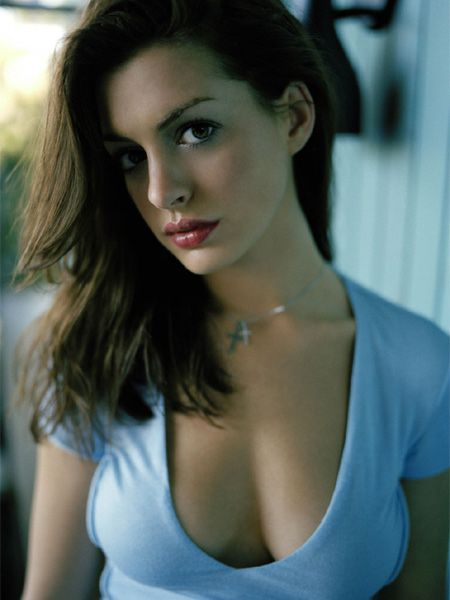Anne Hathaway this is what i mean by overflow :P