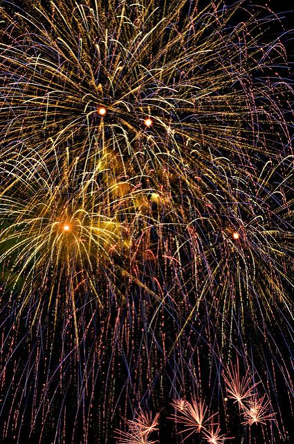 Rose Bowl Fireworks 2009 Combo 3 | I shot these outside the … | Flickr
