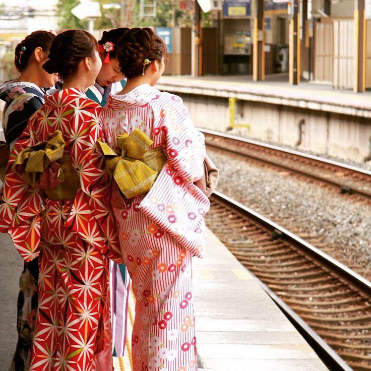自分のなのか、レンタルの着付けサービスなのか、ここに限らず和服姿の女性を多く見かけました。 #京都 #kyoto