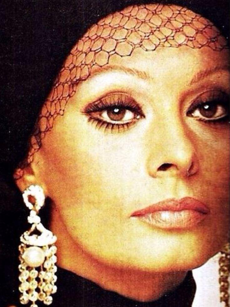 Sophia Loren, photo by Jean Louis Guégan, 1975