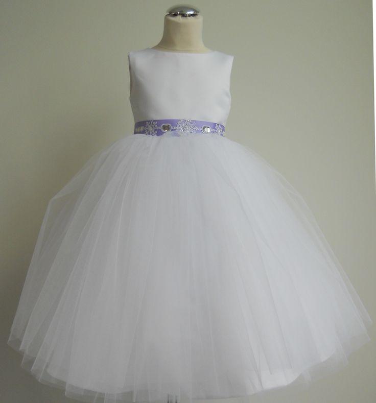 tiulowa sukieneczka szyta na miarę z ozdobnym paskiem  facebook.com/pracownia.migala