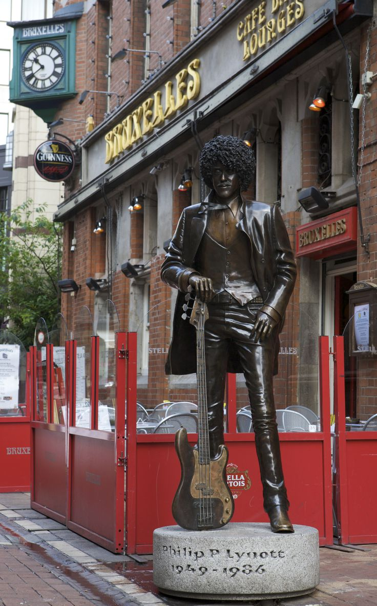 Phil Lynott, outside Bruxelles, Grafton St, Dublin I have my picture taken next to this statue, it was my goal while in Ireland.