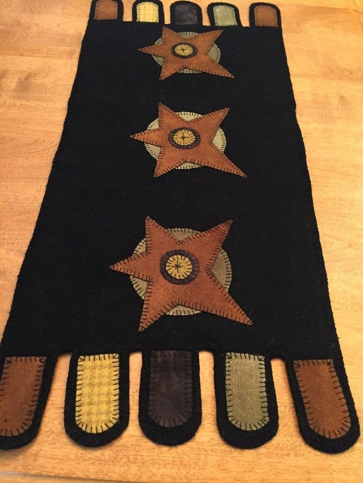 Primitive Star Wool Penny Rug Appliqué Runner ~ Black ~ Handmade ~ Folk Art #NaivePrimitive #Me