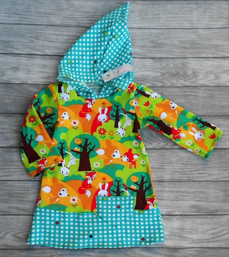handgemachtes Mädchenkleid - Shirtkleid mit langer Zwergenkapuze Größe 86  Hergestellt aus 95% Bio-Baumwolle, 5% Elasthan (Stretchjersey - GOTS zertifiziert), Ärmellänge 28 cm, Brustweite einfach 30 cm, Gesamtlänge 47 cm.  Dieses Kleid sieht hübsch aus auf einer Jeans oder Leggins.  Das Mädchenkleid ist in Handarbeit gefertigt und hergestellt in Deutschland