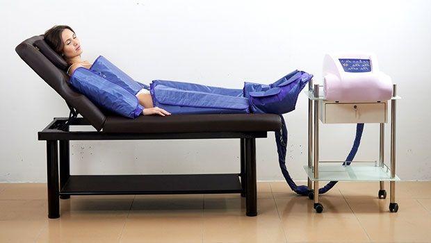 PRESOTERAPIA  - Reactiva el sistema circulatorio - Aumenta la oxigenación del cuerpo - Estimula el sistema inmunológico - Tonifica los músculos - Elimina la celulitis  - Modela y reafirma glúteos y piernas. - Reduce piernas cansadas - Eliminación de líquidos - Reafirmación INFRARROJOS efecto sauna Acción directa del calor sobre la estructura de grasa corporal, disuelve y elimina.