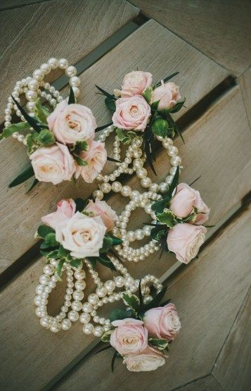 bridesmaid corsages with pearls